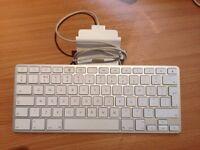 Apple Keyboard Dock - iPhone/iPad/iPod
