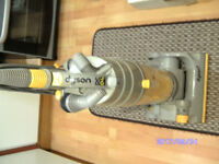 dyson dc04 good clean working condtion c/w tools
