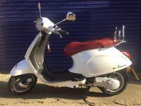 Vespa Primavera 50cc 2T - Colour: White - In very good condition