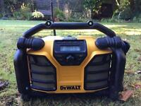 Stereo Dewalt 240w or battery stereo