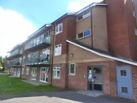 2 Bed Modern Apartment - Parking Space - Cottingham Road