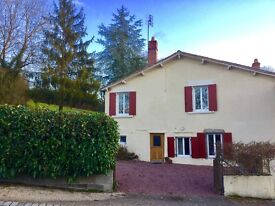GORGEOUS! DETACHED COUNTRY HOME IN FRANCE (Deux Sevres, Poitou-Charentes )!! READY TO MOVE INTO!!