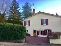 Immaculate DETACHED COUNTRY HOME IN FRANCE (Deux Sevres, Poitou-Charentes )!! READY TO MOVE INTO!!