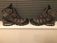 Salomon GoreTex Contagrip Walking boots Size 11.5