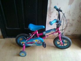 "silverfox daisy bike 11"" wheels with stabilisers"