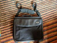 Targus Laptop Bag Large