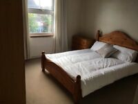 Apartment share in Windsor - Large double bedroom - close to Town Centre & Great Park.