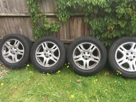 """RANGE ROVER SPORT 18"""" ALLOY WHEELS WITH GOOD TYRES"""