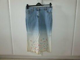 Jeffrey Rogers Light Blue and White Denim three quarter Length Skirt, Pockets, Size 12