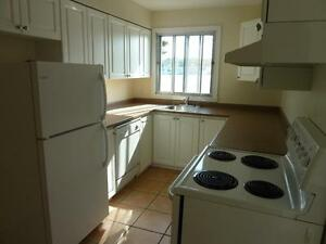 2 BDRM/BALCONY RENOVATED ON THE DARTMOUTH WATERFRONT NOW/FEB
