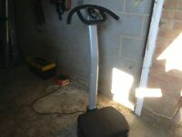 Vibration plate with settings electric comes with a cushion in very good condition good working orde