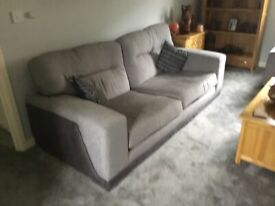 3 seater soffa an a single chair