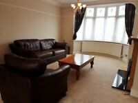 STUNNING THREE BED TERRACED HOUSE TO RENT IN BARKING IG11 - £1,750.00 PCM