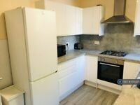 4 bedroom flat in Milner Road, London, E15 (4 bed) (#1030251)