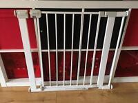 Safety 1st Auto shut pressure fit baby gate