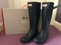 Size 5 hunter wellies in navy