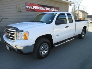2013 GMC Sierra 1500 5.3L V8 - 4X4 - 8 FOOT BOX!!!