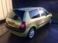 04 Renault Clio 1.2 , low miles , long mot