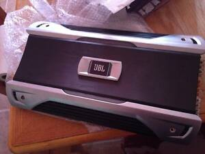 JBL GTO14001 1500RMS AMPLIFIER