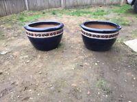 2 large ceramic plant pots
