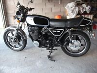 YAMAHA XS 750 TRIPLE 1977 RARE JAP CLASSIC WITH SOUGHT AFTER NUMBER PLATE