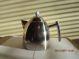Smart Polished stainless steel Teapot