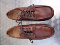Clarks Man size 9 worn few time to small as New See photos