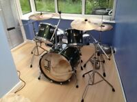 Drum Kit Pearl Session Series inc Cymbals, Hardware, Bags and Throne