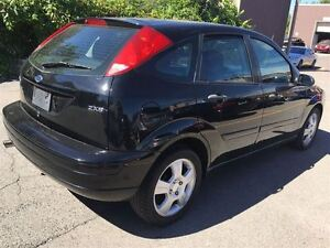 2005 Ford Focus ZX5 SES LEATHER / SUNROOF Kitchener / Waterloo Kitchener Area image 6
