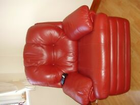 BURGUNDY LEATHER RECLINING SUITE