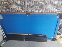 Pool table with 2 cue and balls good christmas gift