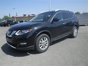 2017 Nissan Rogue SV | Heated Seats | Backup CAM | Hail Special