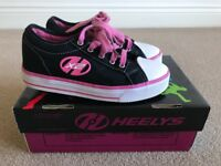 Heelys X2 size 3 Black/Pink Great Condition