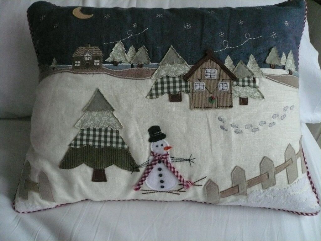 Laura Ashley Snowman cushion with feather pad VGC
