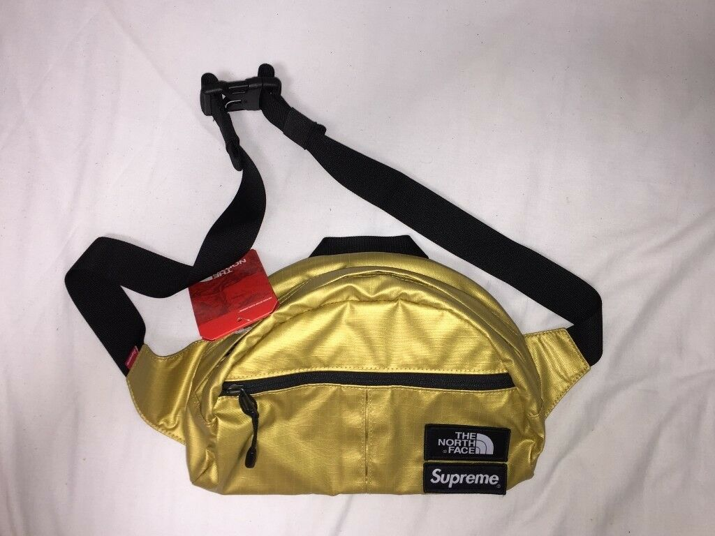 brand new 217d3 21773 Supreme ®   The North Face ® Metallic Roo II Lumbar Pack - Gold Waist Bag