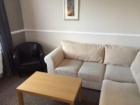 One Bedroom Furnished Flat to let Meadfoot Area