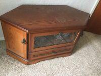 Medium oak TV unit