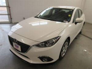 2016 Mazda MAZDA3 G! BACK-UP CAM! BLUETOOTH! NAV AVAILABLE!