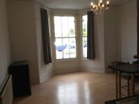 Spacious and light 2 bed flat in Connaught Ave. with private parking