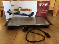 Hostess Cordless Hot Tray for Kitchen and Dining