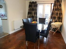 Glorious Semi-Detached 3 Bedroom House - Perfect For Professional Sharers & Families Alike