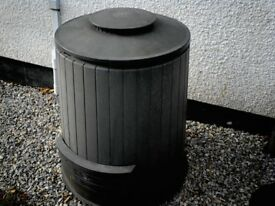 Large Composting Bin in dark grey colour little used so good condition