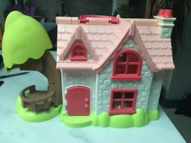 Happyland Cherry Cottage Play House