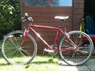 Cannondale H500 Hybrid Bike