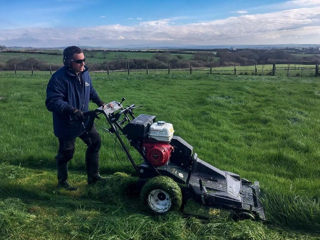 Reliable lawn care and mowing services at competitive prices - Professional Reliable Lawn Mowing Lawn Care Service Residential Commercial Pembrokeshire Image 1 Of 9