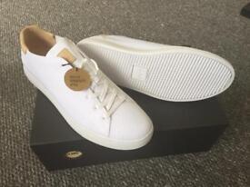 Clae Trainers - white