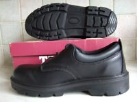 Arco Trojan Safety Shoes Size 8. New and unused. High Specification.