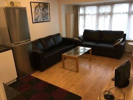 ConvertedRefurbQuality 3Bed2ShowerWC Flat OpenKitchenDineSitting Garden Includes Bills VeryNearBusBR