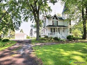 279 950$ - Prix taxes incluses - Maison 3 étages à Berthiervil