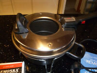 REMOSKA by Lakeland - standard size cooker with stand, instructions and pan separator - VGC